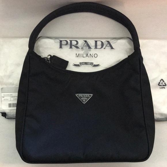 2acddecaa8d9 Prada Tessuto Sport MV519 Bag-Black. M 5b9bf54aaa57193988ad0a21